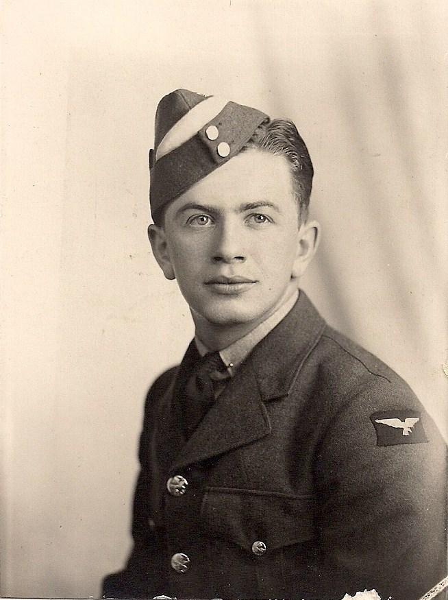 Eugène Gagnon - portrait quand il était un cadet de l'air