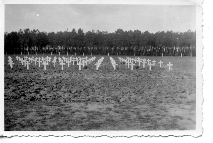 Original graves in Bergen Op Zoom graveyard 1944